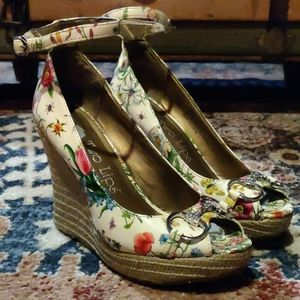 Two Lips Garden Wedges